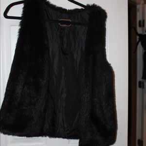 Black Faux Fur Love Tree Vest Size M